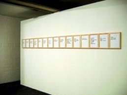 Grzyb, Ryszard * 1956 >Sätze in den Lüften< 2006 C-print 15-teilig je 29,7 x 21 cm Besitz des Künstlers
