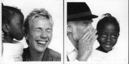 Koelbl, Herlinde *1939 >Über das Hören und Verstehen< 2003 Fotografien 24-teilig, je 100 x 100 cm Begleittext: Tilman Spengler Courtesy Lichterkette e.V., München
