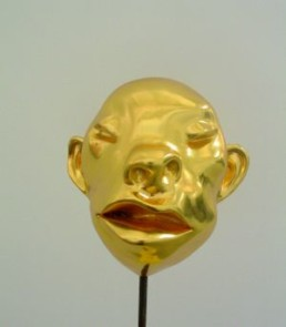 Fang Lijun *1963 >Gold Head 12< 2005 Bronze, Blattgold 22 x 22 x 17 cm Courtesy Alexander Ochs Galleries, Berlin, Beijing
