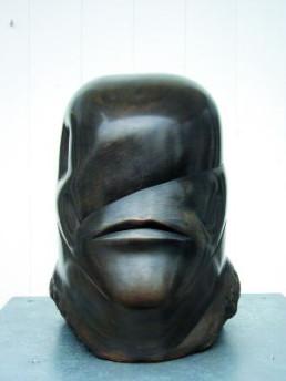 Bühl, Hede *1940 »Kopf«, 1988 Bronze 33 x 25 x 33 cm Exemplar 8/8 (1. E.A.) Besitz der Künstlerin