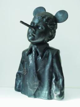 Dings, Nicolas *1953 »Ich bin ein Berliner«, 2007 Bronze 57 cm (mit Sockel 110 cm) Exemplar 1/3 Besitz des Künstlers